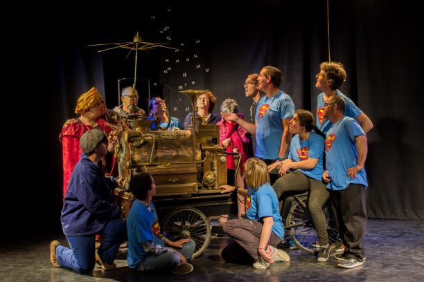 Nouvelle pièce de théâtre de L'Arche en Charente<br />Ne Nous demandez pas la lune<br />24 mai à 20h30 à Espace Franquin  Angoulême